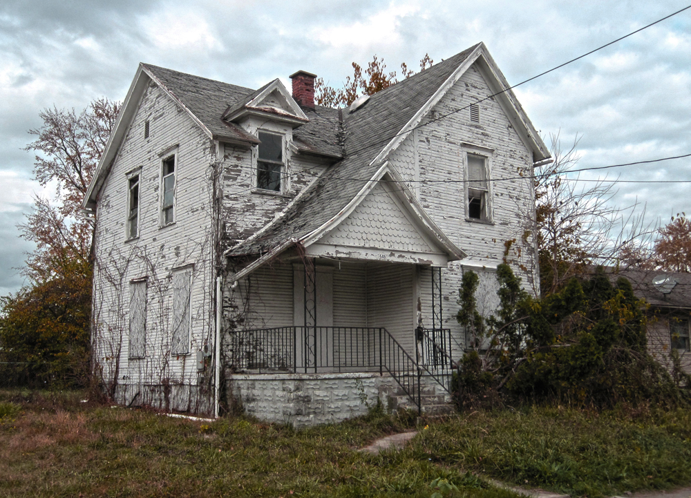 An abandoned house on Wilson Avenue.